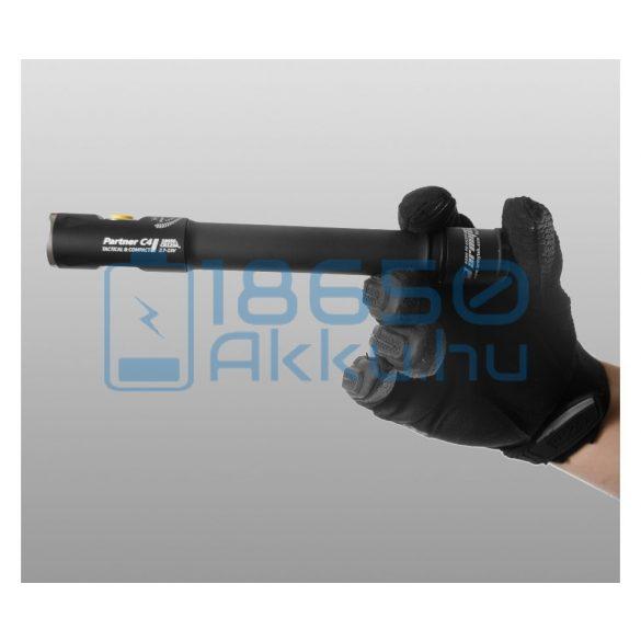 Armytek Partner C4 Pro v3 Warm Taktikai lámpa